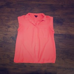 Mossimo sleeveless button down coral shirt